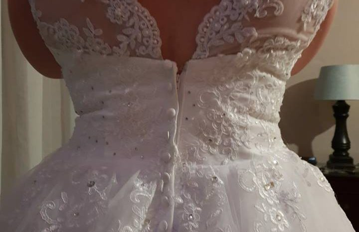 White Size 18 Lace Ball Gown full