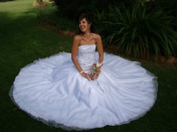 White Size 12 Satin Ball Gown full