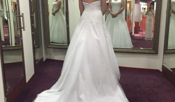 White Size 10 Satin Ball Gown full